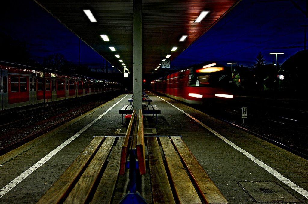 Estación_tren_noche